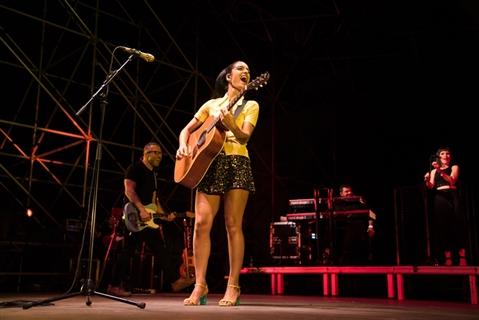 LEVANTE - DALL'ALBA AL TRAMONTO LIVE - foto 2